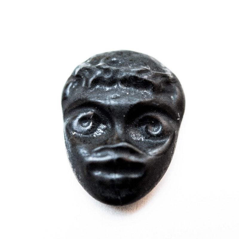Masque noir gomme de réglisse.