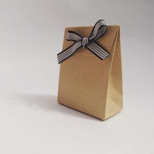 Pochette pliable en carton marron personnalisables.