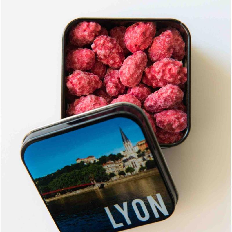 boite metallique pralines specialité lyonnaise coffret cadeau