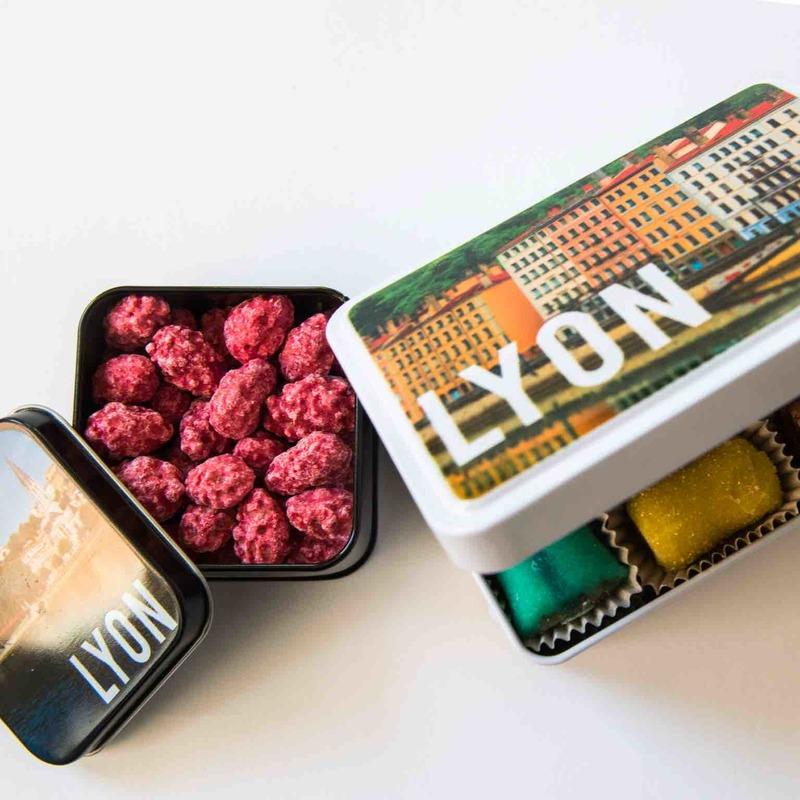 Boite metallique specialités lyonnaise cadeaux souvenir lyon