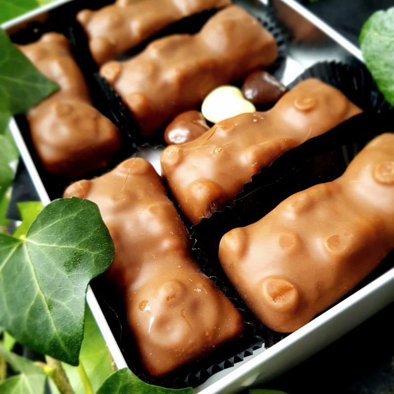 Boite Amour Saint-Valentin oursons guimauves en chocolat au lait.