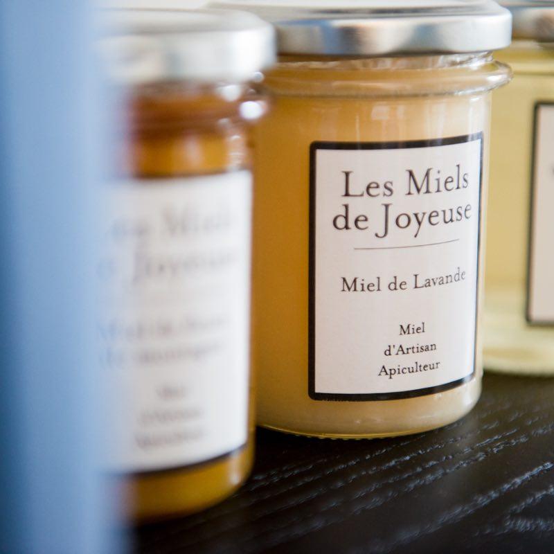 Miel de Joyeuse - lavande. Miel de qualité français.