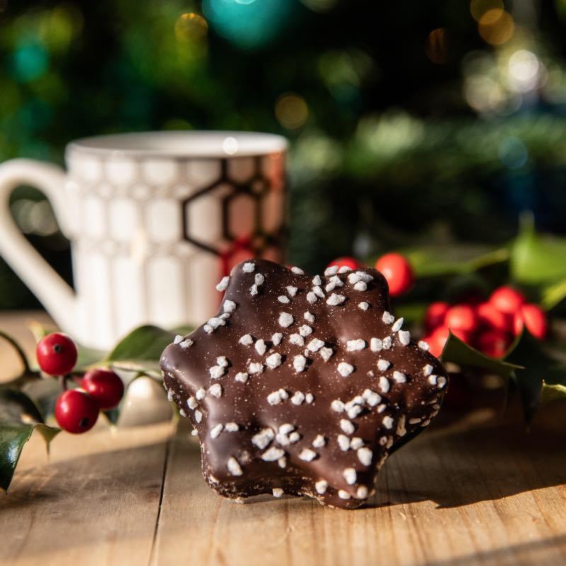 Étoile en guimauve enrobé de chocolat noir